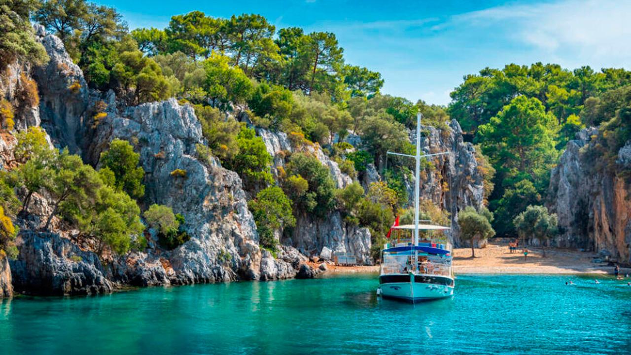 Тур на яхті - «Секретні місця»